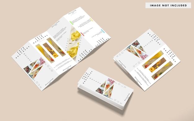 Widok z góry różnych makiet broszur