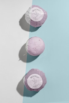 Widok z góry różowe kule do kąpieli