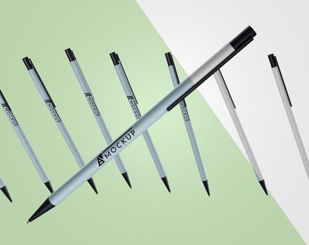 Widok z przodu makiety długopisów