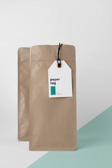 Widok z przodu makiety papierowych tagów
