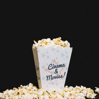 Widok z przodu popcornu kina