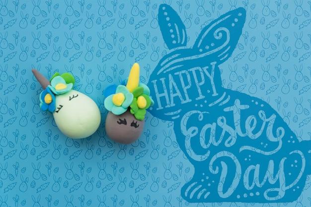 Wielkanocna makieta z jajami jednorożca