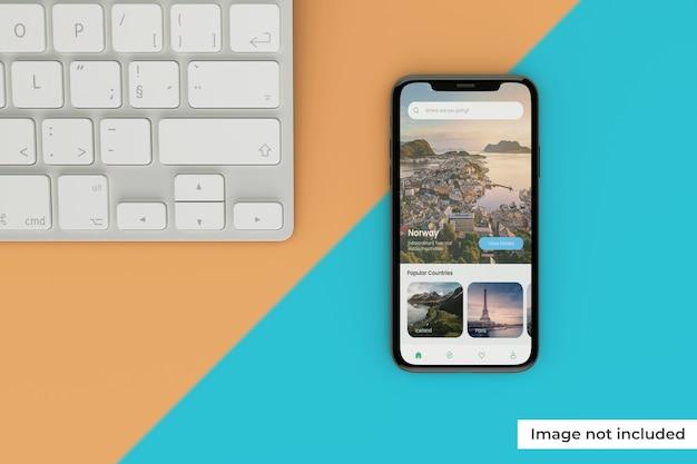 Wysokiej jakości makieta ekranu urządzenia mobilnego z klawiaturą