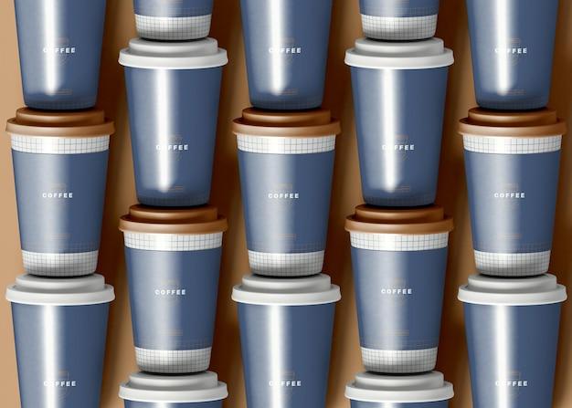 Zaaranżowana makieta filiżanki kawy na wynos