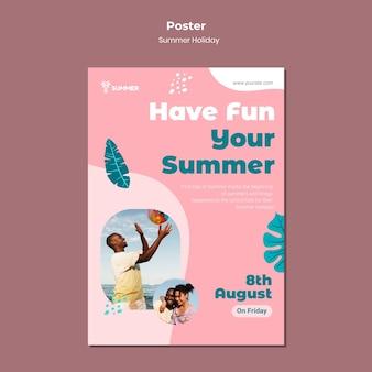 Zabawny szablon plakatu na lato
