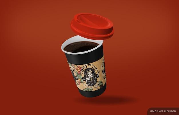 Zabierz makietę filiżanki kawy z czarną kawą i naklejką bezpieczeństwa