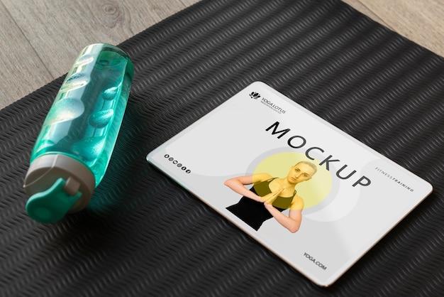 Zajęcia online jogi na tablecie