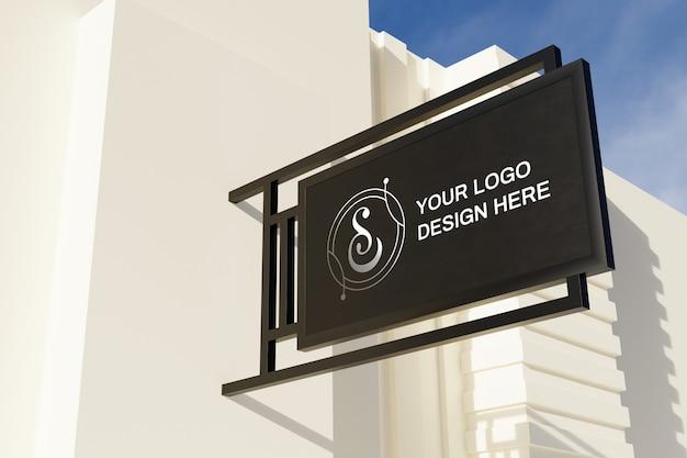 Zamknij się na makiecie tablicy logo znak