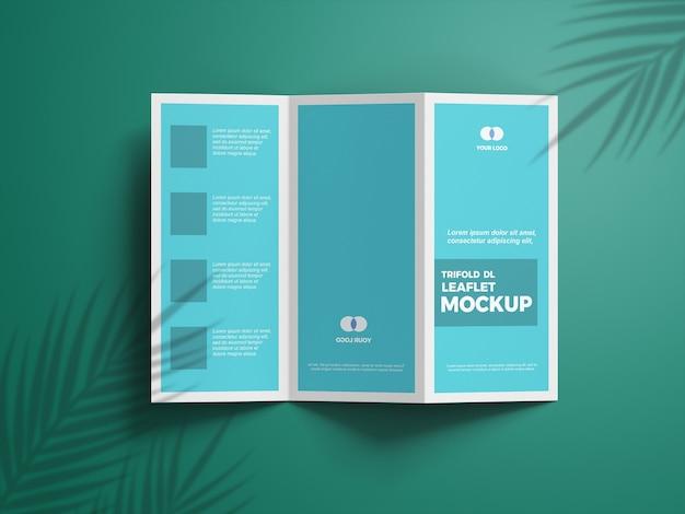 Zamknij się na trifold makieta broszury