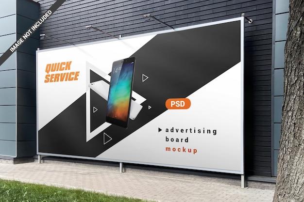 Zarejestruj makietę reklamy tablicy