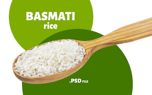 Zbliżenie na kaszę ryżową basmati w drewnianą łyżką na białym tle
