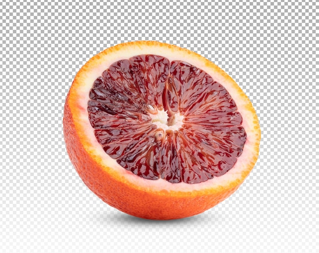 Zbliżenie na pół krwi pomarańczy na białym tle
