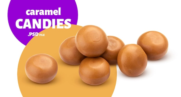Zbliżenie na pyszne cukierki karmelowe na białym tle