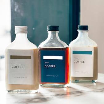 Zimny napój butelka kawy makieta projektu