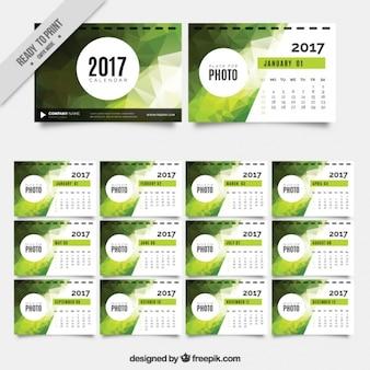 2017 kalendarz z zielonych geometrycznych kształtów
