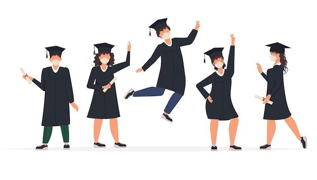 Absolwent kobiet mężczyzna w sukniach ukończenia szkoły i medycznych maskach na twarz.