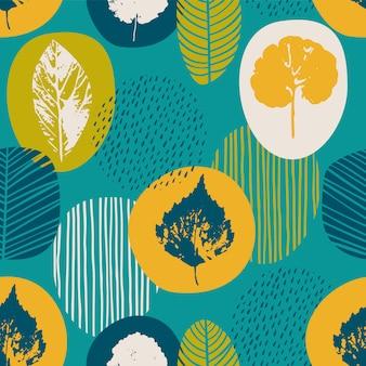 Abstrakcjonistycznej jesieni bezszwowy wzór z liśćmi.