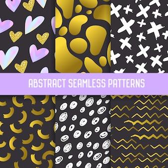 Abstrakcyjne wzory semless zestaw z elementami złoty brokat. ciemne ręcznie rysowane tła w stylu memphis na plakaty, okładkę, papier do pakowania.