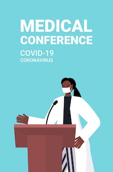 Afroamerykańska lekarka wygłasza przemówienie na trybunie z mikrofonem konferencja medyczna covid-19 medycyna pandemiczna koncepcja opieki zdrowotnej portret pionowa ilustracja wektorowa