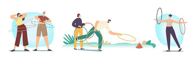 Aktywna aktywność w czasie wolnym, na świeżym powietrzu lub w pomieszczeniach. dorosłe postacie męskie i żeńskie ćwiczące z hula-hoopem toczącym się w talii, ramionach i rzucie. rekreacja latem osób. ilustracja kreskówka wektor