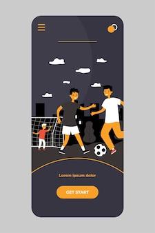 Aktywne dzieci grające w piłkę nożną na zewnątrz na białym tle na aplikacji mobilnej