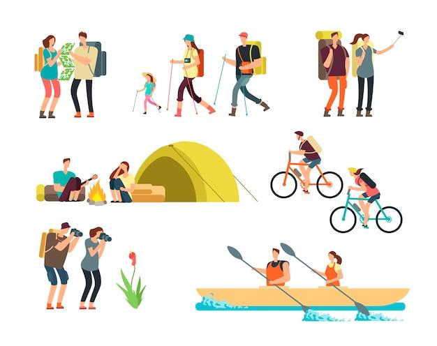 Aktywni ludzie wędrowcy. kreskówka podróżująca rodzina na zewnątrz. piesze wycieczki i trekking turystów wektorowych znaków na białym tle