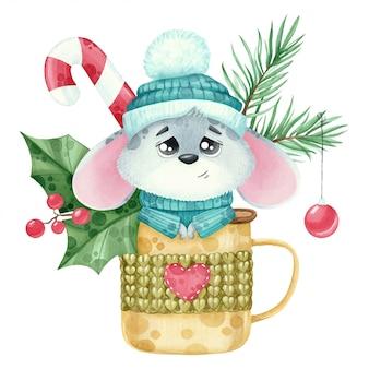 Akwarela śliczna mysz noworoczna w filiżance ze świerkową gałązką.