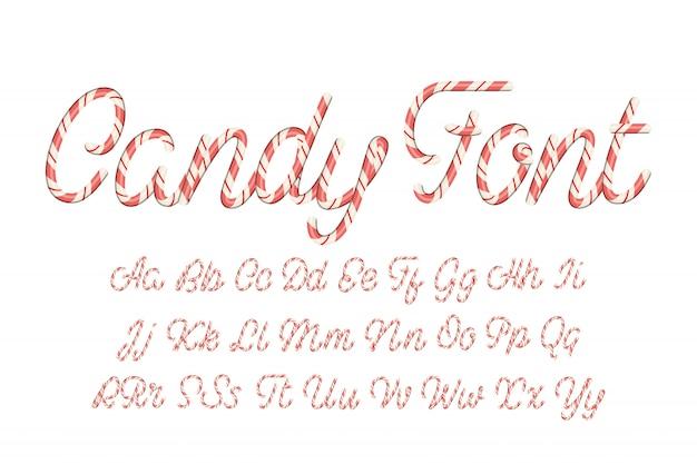 Alfabet łaciński wykonany z cukierków.