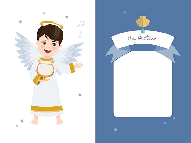 Anioł grający na harfie. zaproszenie na chrzest na błękitne niebo i gwiazdy.