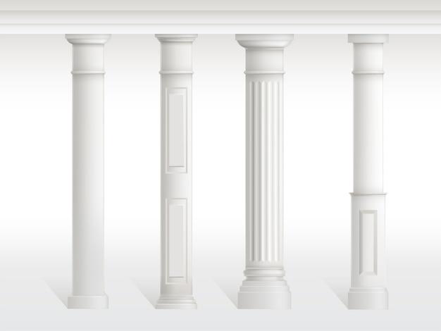 Antykwarskie kolumny ustawiać, balustrada odizolowywająca na białym tle.