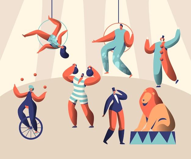 Arena circus show z clown acrobat i animal. kobieta kuglarz na monocyklu. siłacze podnoszą ciężary. wyszkolony lew z trenerem. antenarzyści wysoko pod kopułą. ilustracja wektorowa płaski kreskówka