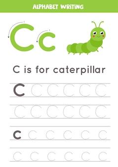Arkusz śledzenia alfabetu. pisanie stron az. wielkie i małe litery c śledzenie z kreskówkową zieloną gąsienicą. ćwiczenia pisma ręcznego dla dzieci. arkusz roboczy do druku.