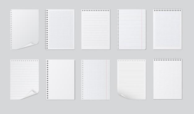 Arkusze realistyczne zeszyty na białym tle