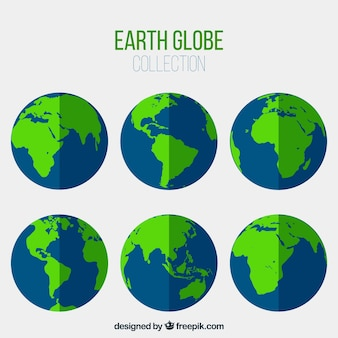 Asortyment niebieskich i zielonych ziemskich globusów