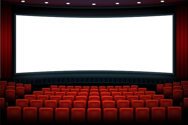 Audytorium kinowe z czerwonymi siedzeniami i białym pustym, jasnym ekranem