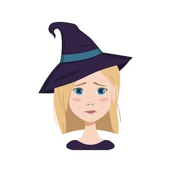 Awatar kobiety o blond włosach i niebieskich oczach, smutnych emocjach, płaczącej twarzy i łzach w kapeluszu wiedźmy. dziewczyna w kostiumie na halloween