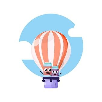 Balon na gorące powietrze z napojem bezalkoholowym urocza maskotka postaci