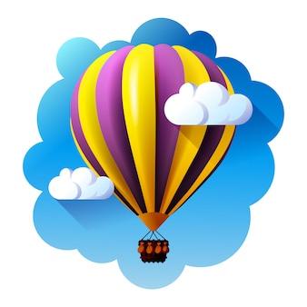 Balon na ogrzane powietrze w chmurach.