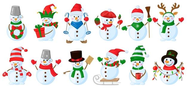 Bałwanki z kreskówek. boże narodzenie śmieszne bałwan znaków, ładny bałwan na sobie kapelusz i szalik wektor zestaw ilustracji. zimowe wakacje bałwan znaków. maskotka bałwana w szaliku i prezent