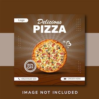 Baner sprzedaży pizzy na post w mediach społecznościowych