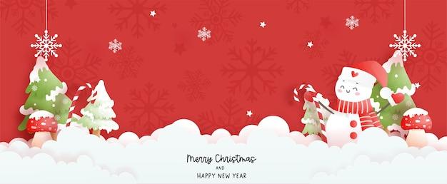 Baner świątecznej sceny ze słodkim bałwanem i choinką