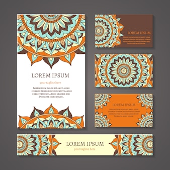 Banery i wizytówki z okrągłym składem arabskim lub indyjskim. projekt mandali, symbol pusty, dekoracja kwiatowa, etniczny plemienny azjatycki