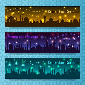 Banery na ramadan kareem i eid z arabskim miastem nocnych wakacji