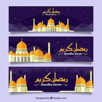 Banery ramadan kareem ze złotym meczetem