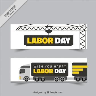 Banery z samochodu ciężarowego i żurawia na dzień pracy