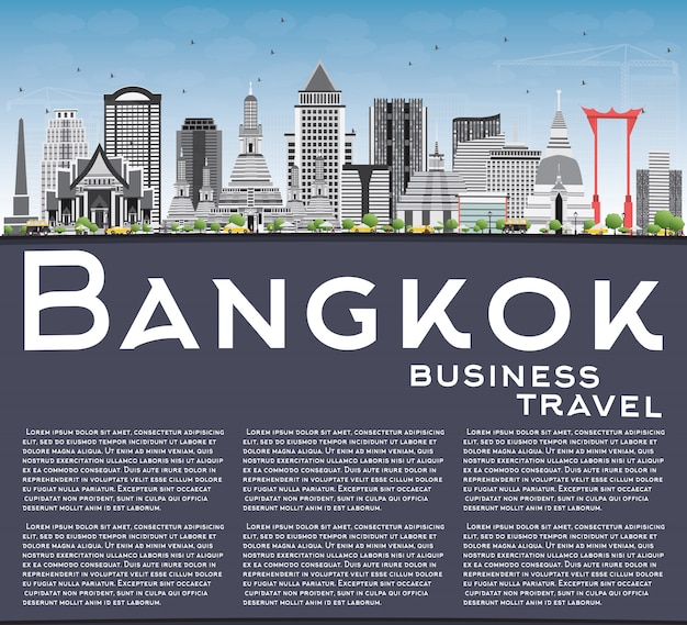 Bangkok skyline z szarymi zabytkami, błękitne niebo i miejsce.