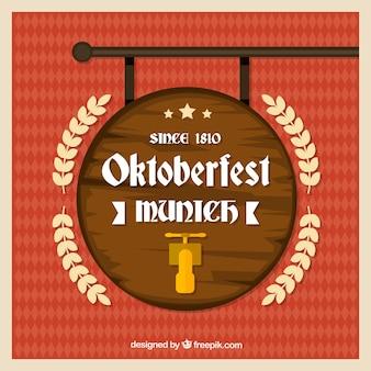 Beczki płaskie piwa w oktoberfest