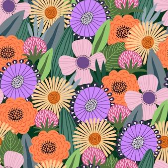 Bezszwowy wzór z ślicznymi doodle kwiatami