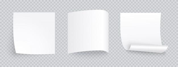Biała kartka papieru z innym cieniem. pusty post na wiadomość, listę zadań, pamięć. zestaw karteczek na przezroczystym tle.