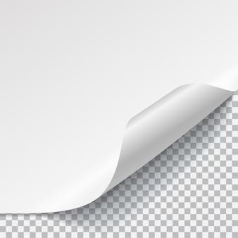 Biała kartka papieru z zakrzywionym rogiem i cieniem na przezroczystym tle. przezroczystość tylko w formacie wektorowym